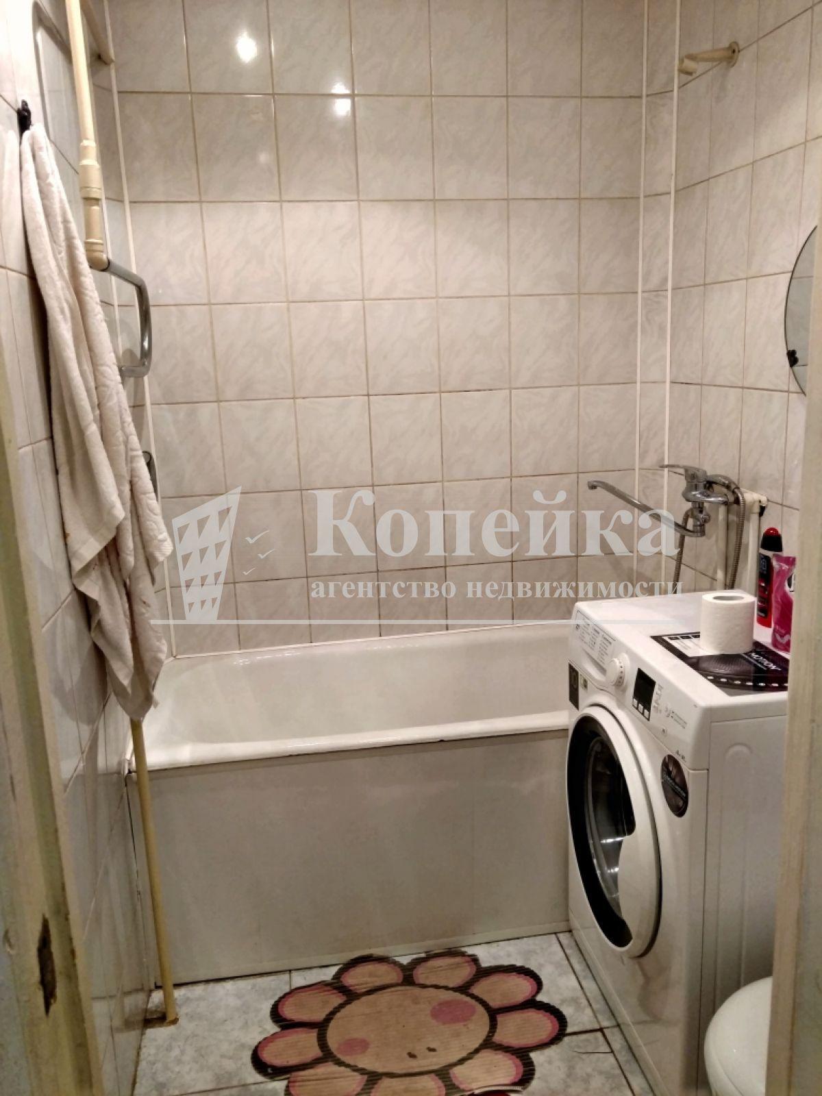 Квартира на продажу по адресу Россия, Омская область, Омск, Станционная 6-я ул, 35